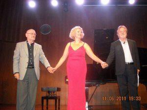"""Luciano González Sarmiento, Marisa Blanes y Manuel Galiana. Durante el concierto """"Sonatina del aire y del viento""""."""