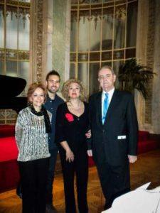 Tomás Marco, Ana Guijarro, alumno y Marisa Blanes. Casino de Madrid en Abril de 2013.
